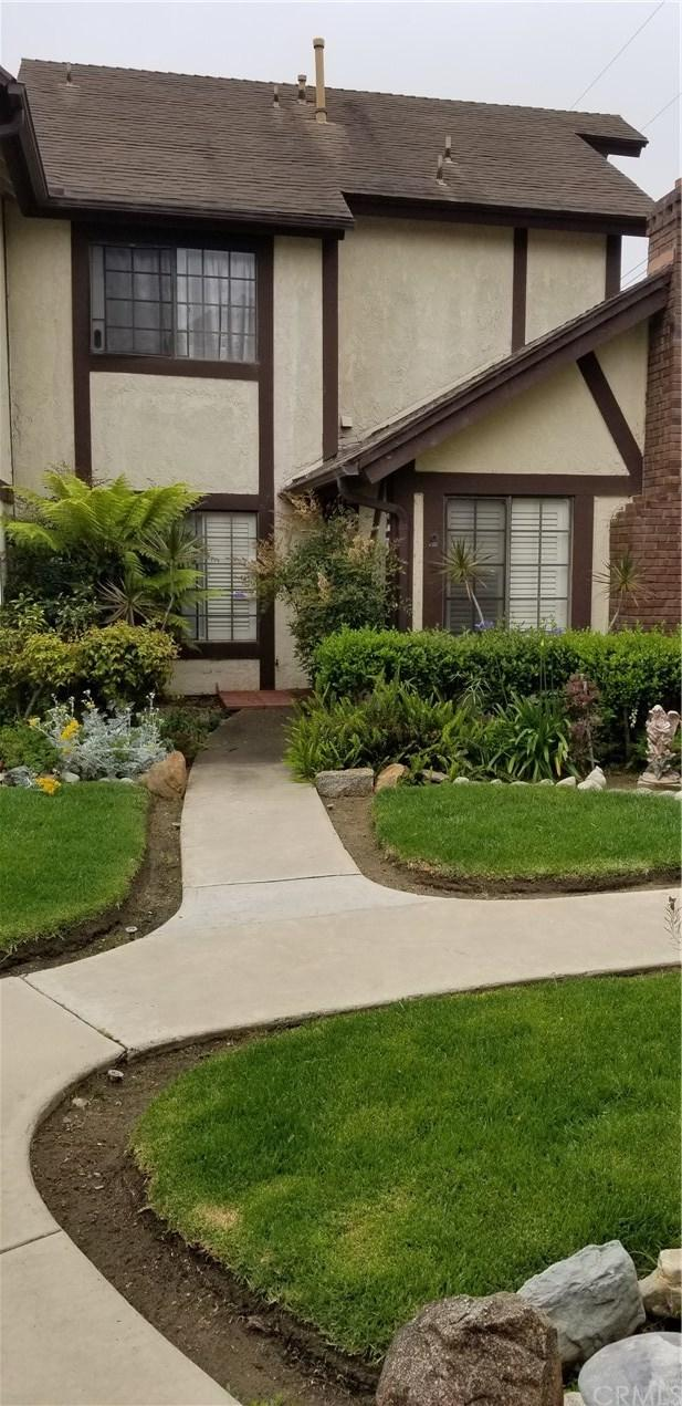 543 W Wilson Street #7, Costa Mesa, CA 92627 (#NP19140458) :: Fred Sed Group