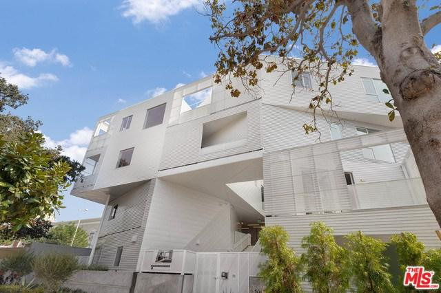 1030 N Kings Road #207, West Hollywood, CA 90069 (#19478384) :: Keller Williams Realty, LA Harbor