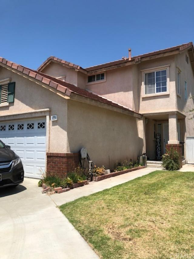 825 Shade Tree Way, Corona, CA 92880 (#WS19141384) :: The Najar Group