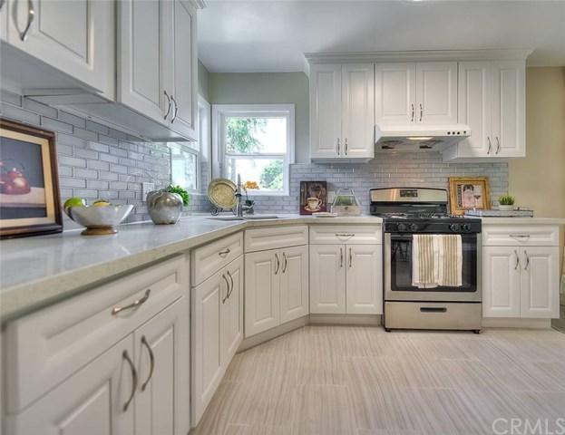 1134 Bonita Drive, Colton, CA 92324 (#AR19139382) :: Keller Williams Realty, LA Harbor