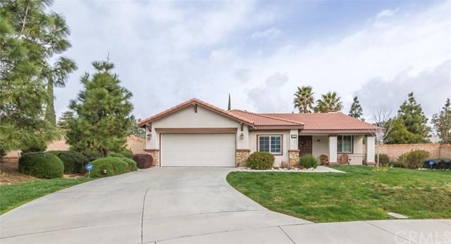 797 Foothill Drive, Banning, CA 92220 (#SW19141998) :: Fred Sed Group