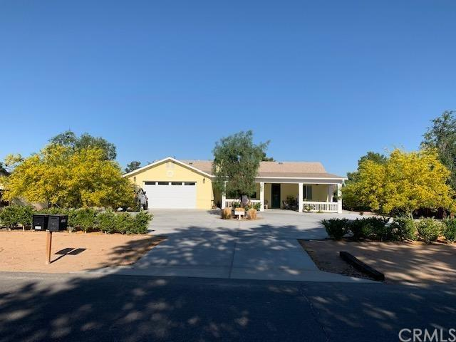 13960 Cuyamaca Road, Apple Valley, CA 92307 (#IV19142153) :: The Houston Team | Compass