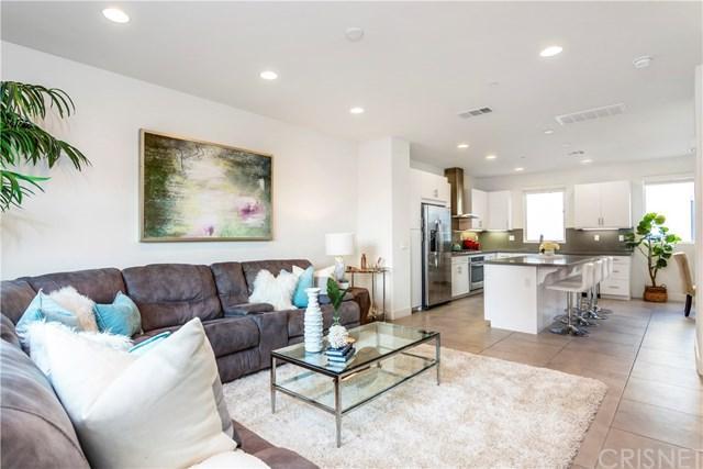 690 N Gramercy Place, Los Angeles (City), CA 90004 (#SR19141140) :: Scott J. Miller Team/ Coldwell Banker Residential Brokerage
