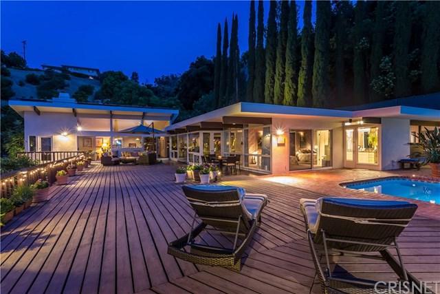 3801 Rhodes Avenue, Studio City, CA 91604 (#SR19142136) :: Scott J. Miller Team/ Coldwell Banker Residential Brokerage