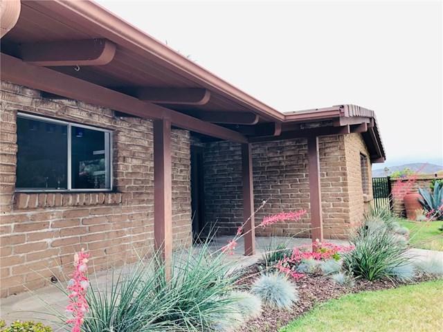 3242 Via Almonte, Fallbrook, CA 92028 (#ND19141947) :: Allison James Estates and Homes