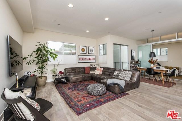 13337 Beach Avenue #203, Marina Del Rey, CA 90292 (#19478962) :: McLain Properties