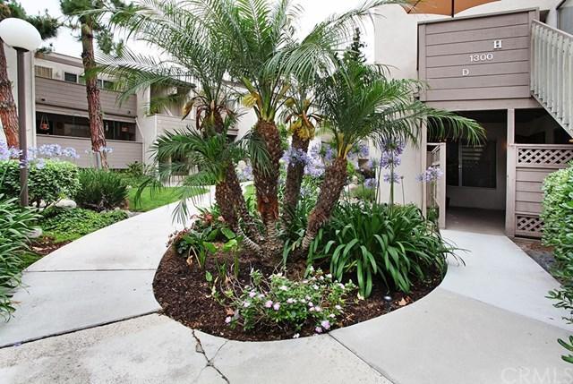 1300 Cabrillo Park Drive D, Santa Ana, CA 92701 (#OC19142225) :: eXp Realty of California Inc.
