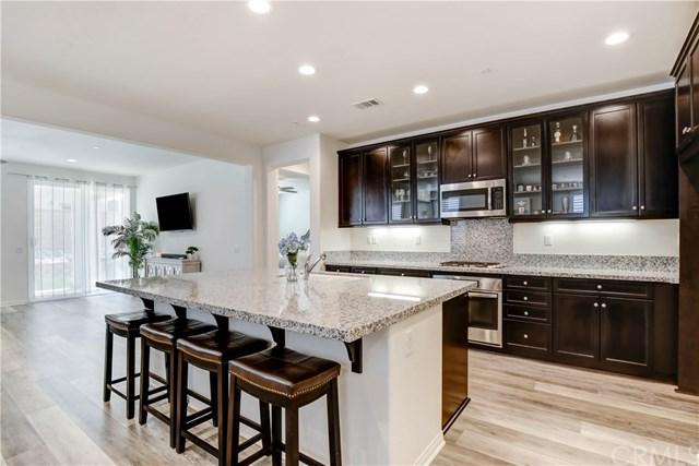 6981 Emerald Avenue, Fontana, CA 92336 (#OC19141552) :: Mainstreet Realtors®