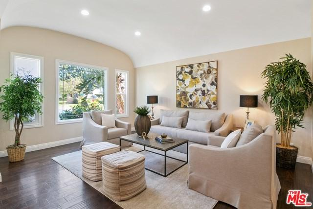 17736 San Fernando Mission, Granada Hills, CA 91344 (#19479242) :: Allison James Estates and Homes