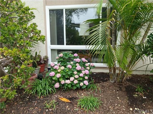 48 Calle Aragon B, Laguna Woods, CA 92637 (#OC19142029) :: Allison James Estates and Homes