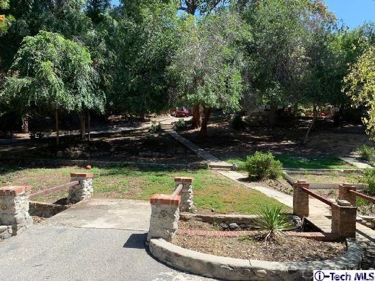10233 Sunland Boulevard, Sunland, CA 91040 (#319002425) :: The Brad Korb Real Estate Group
