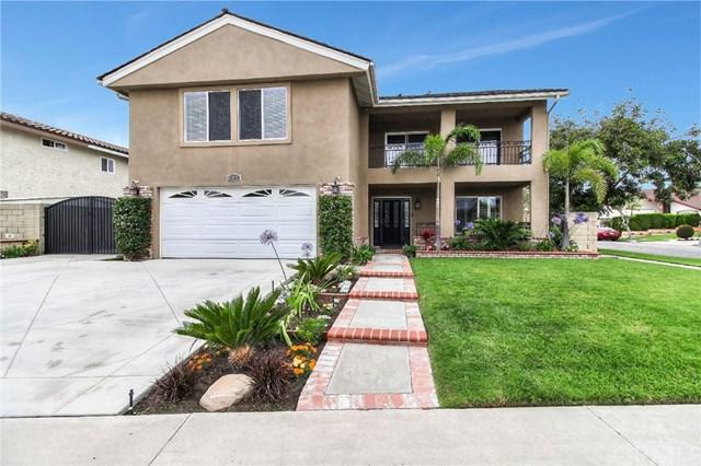 10011 Kaylor Avenue, Los Alamitos, CA 90720 (#OC19137371) :: eXp Realty of California Inc.