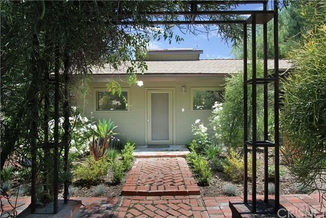 12000 Highwater Road, Granada Hills, CA 91344 (#SR19141354) :: Allison James Estates and Homes