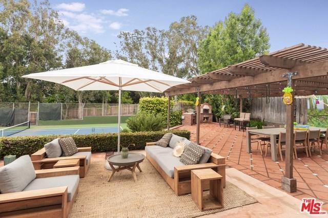 6738 Wildlife Road, Malibu, CA 90265 (#19479468) :: Berkshire Hathaway Home Services California Properties