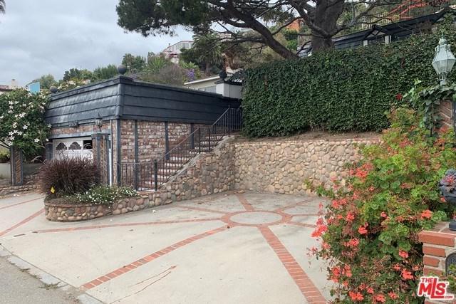 21513 Pacific Coast Highway, Malibu, CA 90265 (#19481074) :: Berkshire Hathaway Home Services California Properties