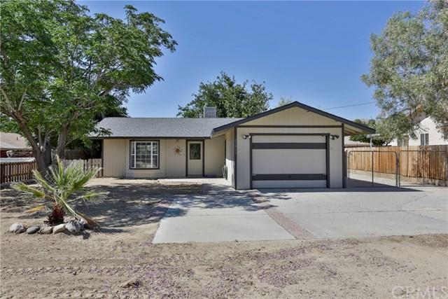 61861 Petunia Drive, Joshua Tree, CA 92252 (#JT19146340) :: Steele Canyon Realty