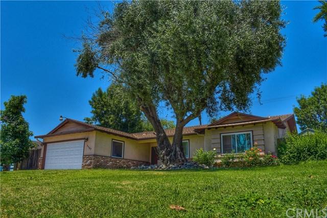 1137 E Comstock Avenue, Glendora, CA 91741 (#CV19148648) :: A|G Amaya Group Real Estate