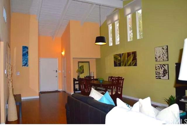 2011 W Katella Avenue #14, Anaheim, CA 92804 (#SW19148588) :: Heller The Home Seller