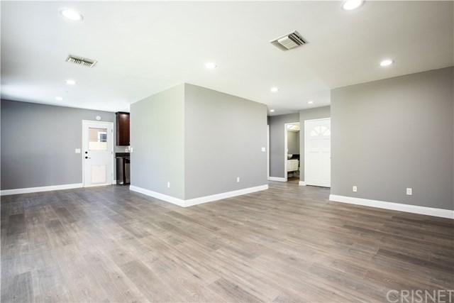 6168 Peterson Avenue, Woodland Hills, CA 91367 (#SR19145663) :: Heller The Home Seller
