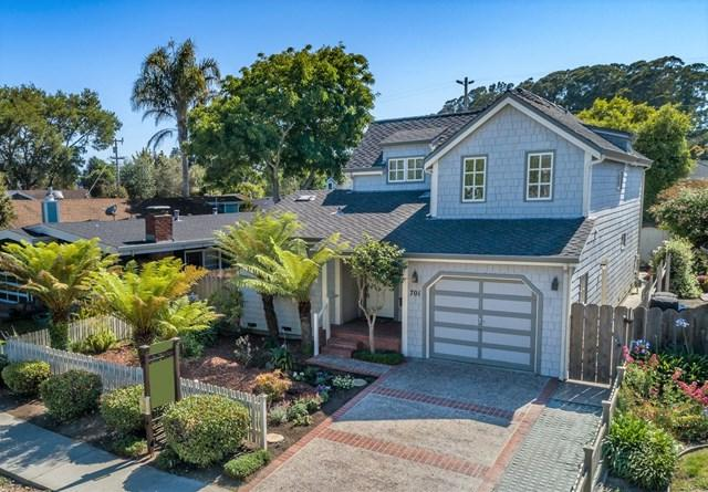 701 Bay Avenue, Capitola, CA 95010 (#ML81757693) :: Heller The Home Seller