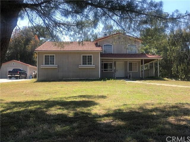 975 Greenwood Avenue, Devore, CA 92407 (#EV19149231) :: Heller The Home Seller