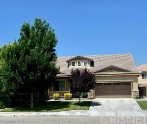 44005 47th Street W, Lancaster, CA 93536 (#SR19149455) :: Go Gabby