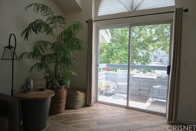 26905 Flo Lane #220, Canyon Country, CA 91351 (#SR19149595) :: Scott J. Miller Team/ Coldwell Banker Residential Brokerage