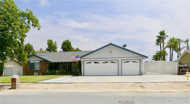 3464 Bluff Street, Norco, CA 92860 (#IG19150962) :: The DeBonis Team