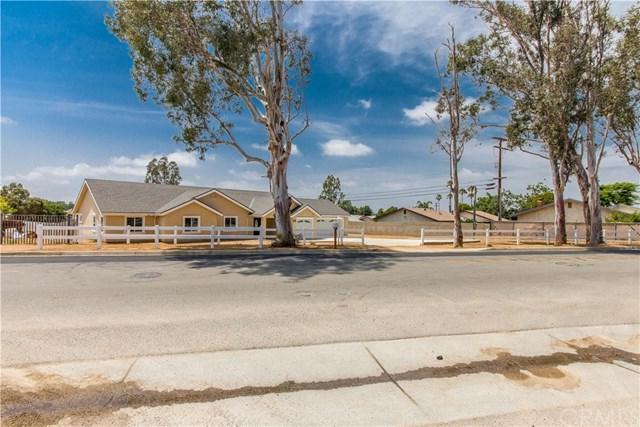 2760 Hillside Ave, Norco, CA 92860 (#DW19151557) :: The DeBonis Team