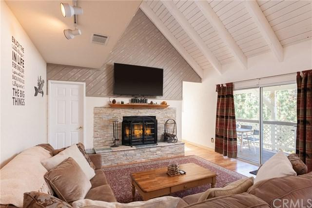 596 Villa Grove Avenue, Big Bear, CA 92314 (#CV19151666) :: Pam Spadafore & Associates