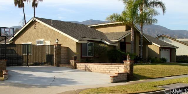 2157 Adobe Avenue, Corona, CA 92882 (#IG19151508) :: The DeBonis Team