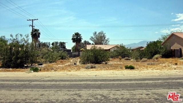 15875 Via Vista, Desert Hot Springs, CA 92240 (#19483296) :: J1 Realty Group