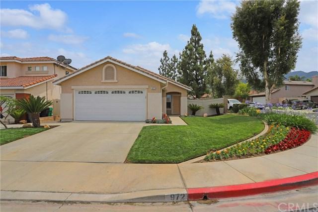 972 Bingham Drive, Corona, CA 92882 (#OC19153914) :: Fred Sed Group