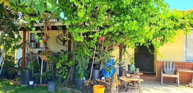 18614 Sequoia Avenue, Bloomington, CA 92316 (#IV19155185) :: Z Team OC Real Estate