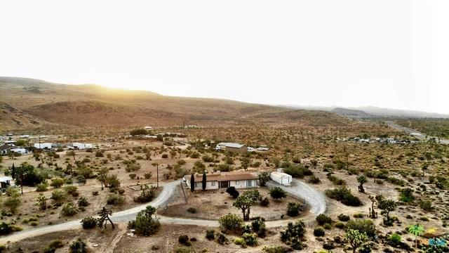 56676 Sunset Drive, Yucca Valley, CA 92284 (#19483016PS) :: RE/MAX Masters