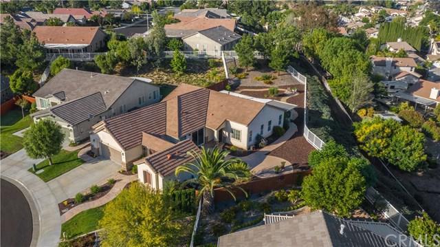 39596 Clos Du Val, Murrieta, CA 92563 (#SW19156290) :: Berkshire Hathaway Home Services California Properties