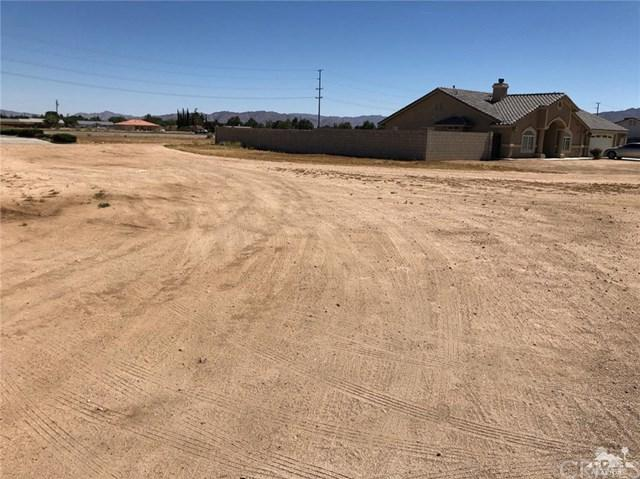 21150 Laguna Road, Apple Valley, CA 92308 (#219018565DA) :: The Costantino Group | Cal American Homes and Realty