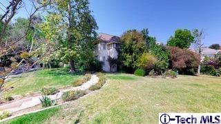 4400 Woodleigh Lane, La Canada Flintridge, CA 91011 (#319002656) :: Fred Sed Group