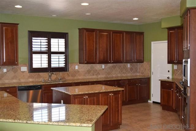 2425 Lenai Cir, Corona, CA 92879 (#190035519) :: Mainstreet Realtors®