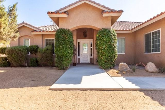 8740 San Vicente Drive, Yucca Valley, CA 92284 (#JT19158424) :: RE/MAX Masters