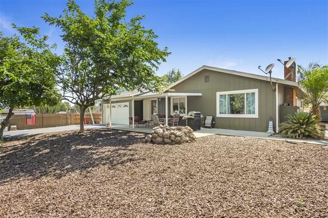 2336 Rainbow Glen Rd, Fallbrook, CA 92028 (#190037614) :: Heller The Home Seller