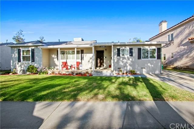 11132 Saratoga Drive, Los Alamitos, CA 90720 (#PW19162947) :: The Marelly Group | Compass