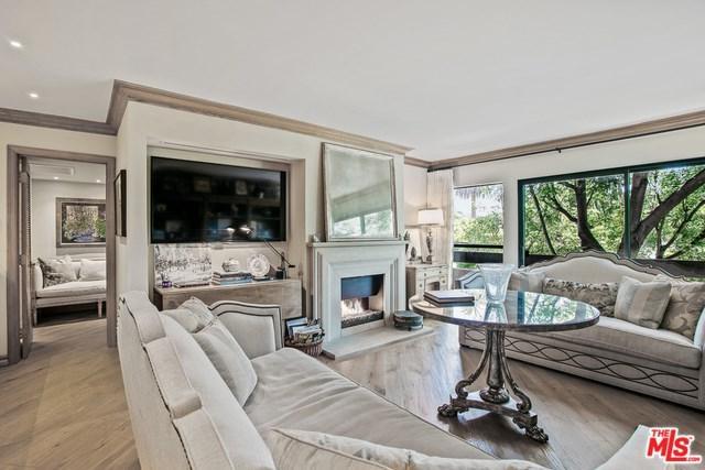 950 N Kings Road #238, West Hollywood, CA 90069 (#19483092) :: Powerhouse Real Estate