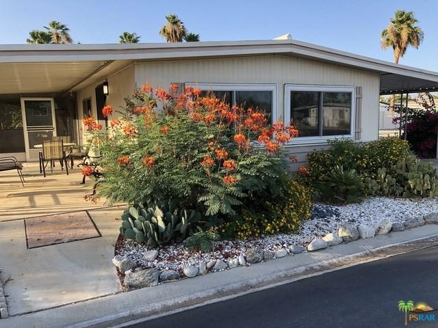 207 Coyote Drive, Palm Springs, CA 92264 (#19486676PS) :: Berkshire Hathaway Home Services California Properties