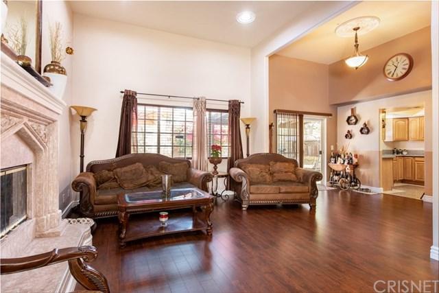9429 Burnet Avenue #4, North Hills, CA 91343 (#SR19153406) :: Bob Kelly Team
