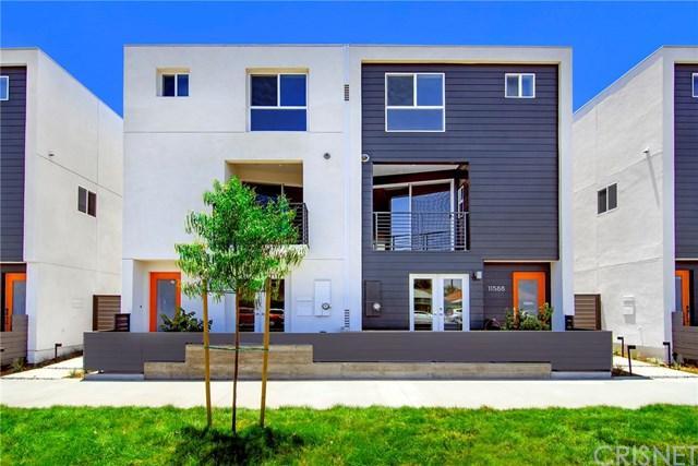 11582 Riverside Drive, Valley Village, CA 91602 (#SR19164819) :: Keller Williams | Angelique Koster