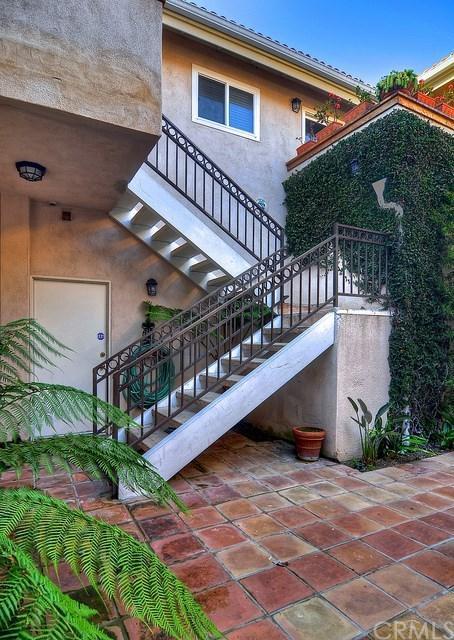 611 E Balboa Boulevard A, Newport Beach, CA 92661 (#LG19164921) :: Upstart Residential