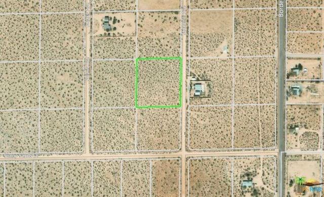 599 Stonehill Avenue, Joshua Tree, CA 92252 (#19486602PS) :: Steele Canyon Realty