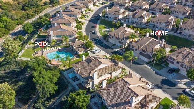 1586 San Rafael Place, Corona, CA 92882 (#OC19161781) :: Team Tami
