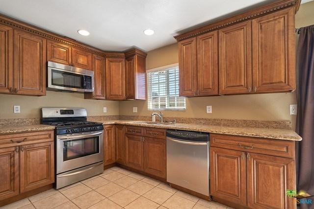 44240 Palo Verde Street, Indio, CA 92201 (#19480944PS) :: Mainstreet Realtors®
